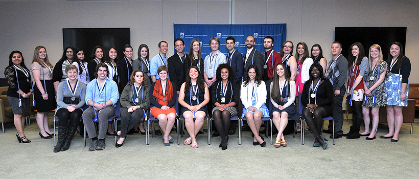 Honors College Class of 2014 with their medallions